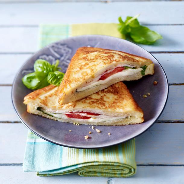 Mozzarella in Carozza: Ausgebackenes Mozzarella-Toast Rezept