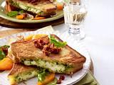 Mozzarella-Schnitzel mit Möhren-Schalotten-Gemüse Rezept