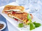 Mozzarella-Toast mit Tomaten Rezept