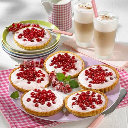 Mürbeteigtorteletts mit Joghurt-Sahne Rezept
