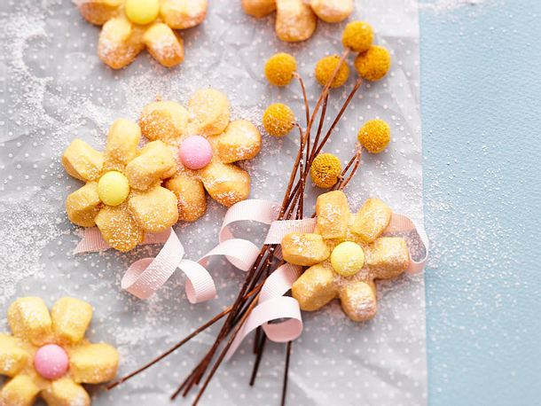Mürbe Zitronenblüten Rezept