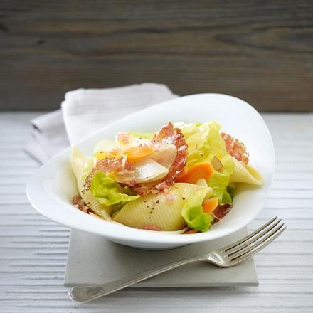 Muschelnudel-Salat mit Kohlrabi, Möhren und Coppa-Schinken Rezept