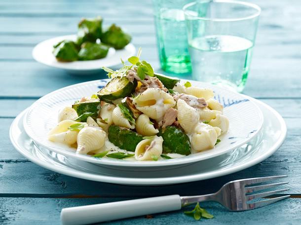 Muschelnudeln mit Minikürbis und cremiger Thunfischsoße Rezept
