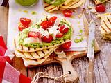 Naan-Brot mit Tomaten-Pesto Rezept