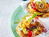 Naan mit panierten Auberginen und Kichererbsen-Guacamole Rezept