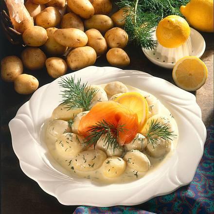 Neue Kartoffeln in Dill-Sahnesoße mit Lachs Rezept