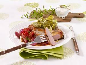 Niedrigtemperatur: Schweinekoteletts mit geschmolzenen Tomaten Rezept
