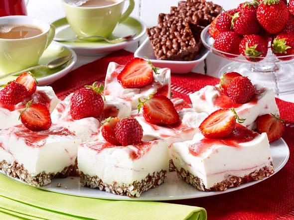 Nippon Schoko-Kuchen Joghurtcreme und Erdbeeren Rezept