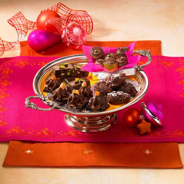 Nougat-Macadamia-Pralinen Rezept