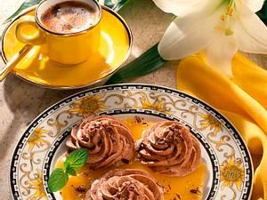 Nougatmousse auf Aprikosenpüree Rezept