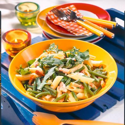 Nudel-Bohnen-Salat mit Speck-Zwiebel-Raukesoße Rezept
