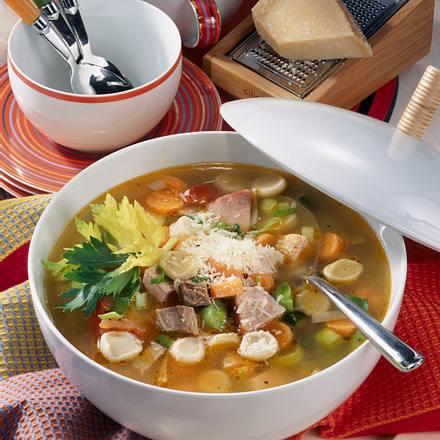 Nudel-Gemüse-Suppe Rezept