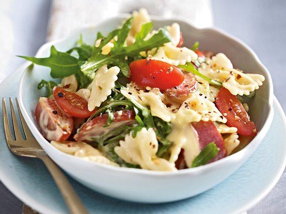 Nudel-Kabanossi-Salat mit Joghurtmayonnaise Rezept