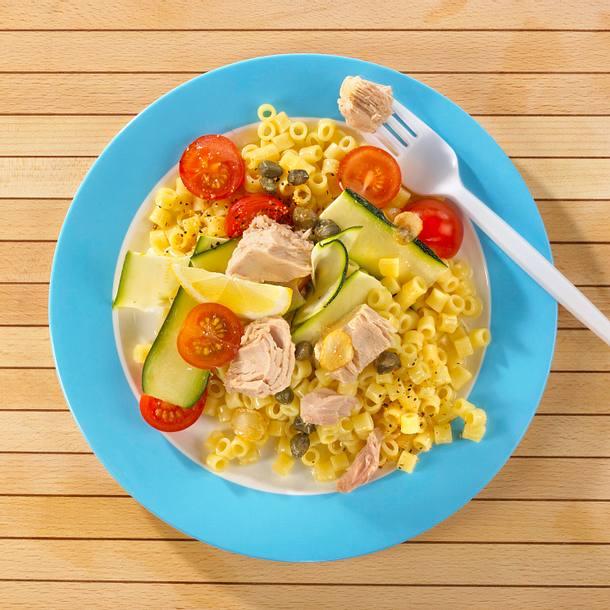 Nudel-Thunfischsalat mit Knusperkapern und Knoblauchvinaigrette Rezept