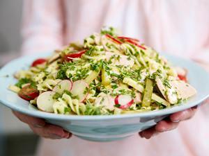 Nudel-Wurst-Käse-Salat Rezept