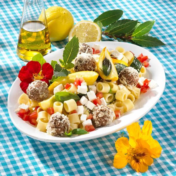 Nudel-Zucchini-Antipasti-Salat Rezept