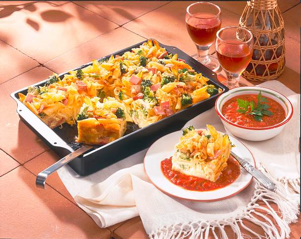 Nudelkuchen mit Schinken & Broccoli Rezept