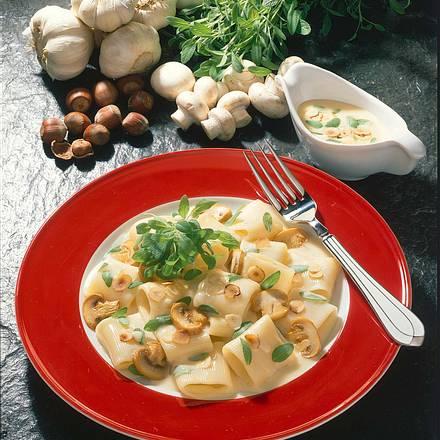 Nudeln in Salbei-Nuss-Soße Rezept