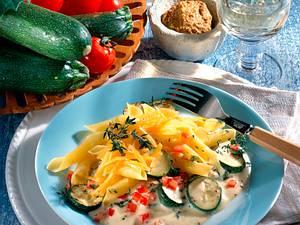 Nudeln in Zucchini-Senfsoße (Diabetiker) Rezept