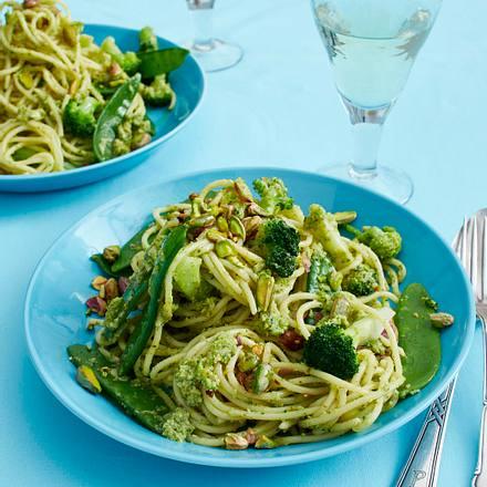 Nudeln mit Brokkoli-Pesto Rezept