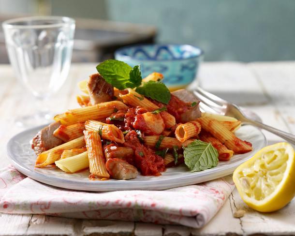 Nudeln mit frischem Thunfisch (Pasta ai quadrucci di pesce) Rezept