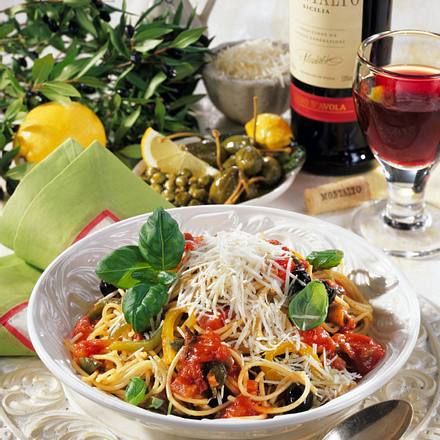 Nudeln mit Gemüsesoße Rezept