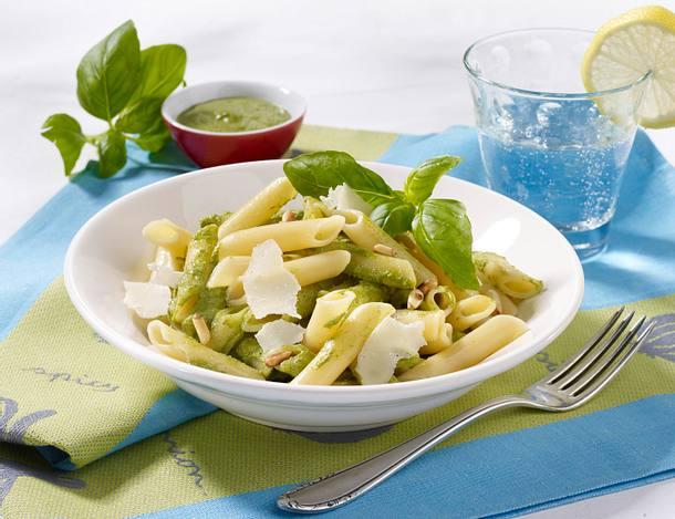 Nudeln mit leichtem Joghurt-Pesto Rezept