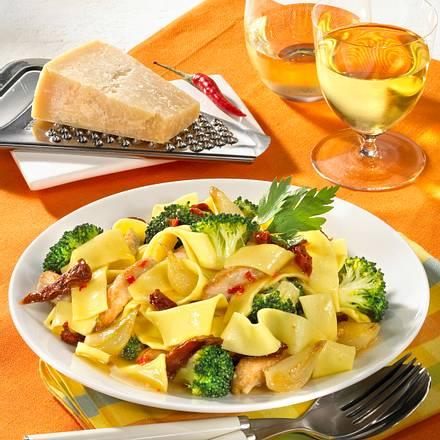Nudeln mit Pute und Broccoli Rezept