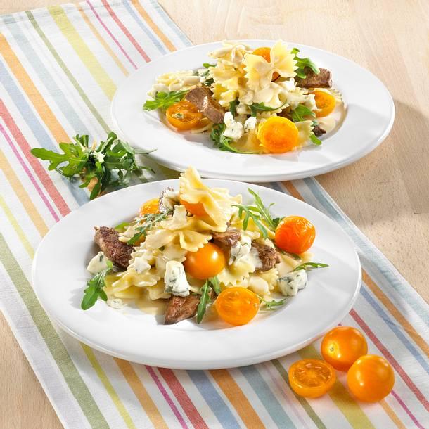 Nudeln mit Rinderfilet und Gorgonzola-Soße Rezept
