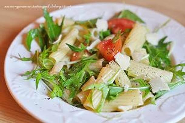 Nudeln mit Tomaten Minzuna Salsa Rezept