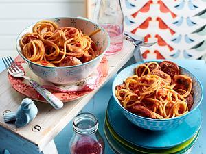 Nudeln mit Tomatensoße und Fleischwurst Rezept