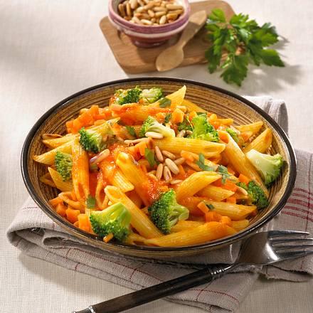 Nudelsalat mit Broccoli & Möhrensoße Rezept