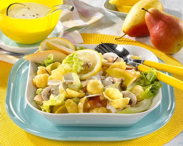 Nudelsalat mit Käsesoße Rezept