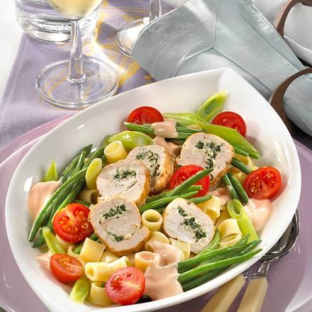 Nudelsalat mit Kräuterschnecken Rezept