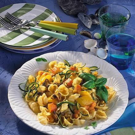 Nudelsalat mit Meeresfrüchten Rezept