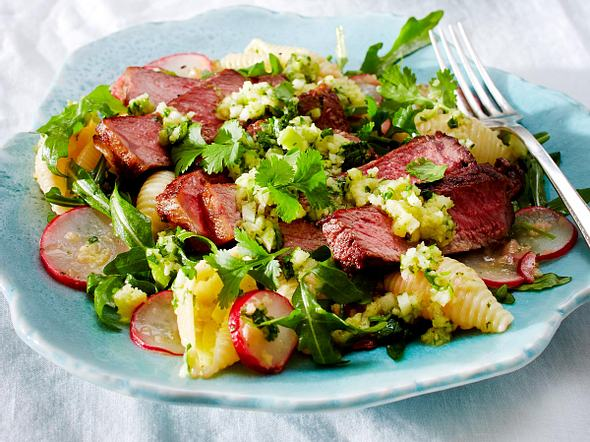 Nudelsalat mit Rumpsteak und Granny-Smith-Pesto Rezept