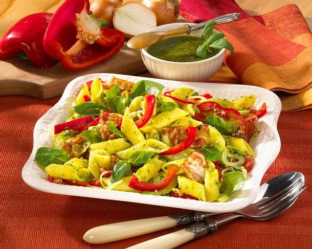 Nudelsalat mit Speck und Pesto Rezept