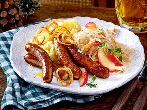Nürnberger Würstchen mit Apfelsauerkraut Rezept