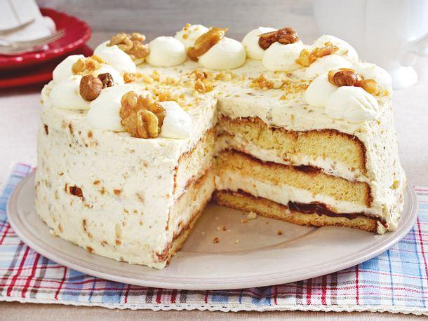 Nuss-Torte mit Rumcreme Rezept