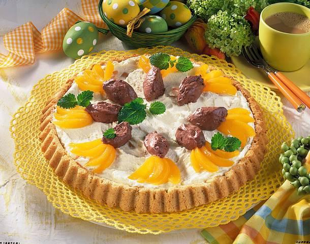 Obstboden mit Mousse und Aprikosenschnitzen Rezept