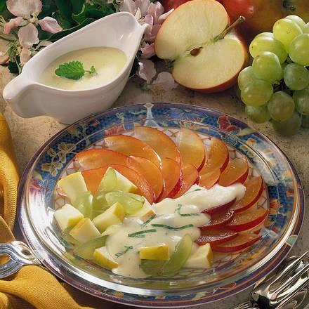 Obstsalat mit Joghurt-Vanille-Soße Rezept
