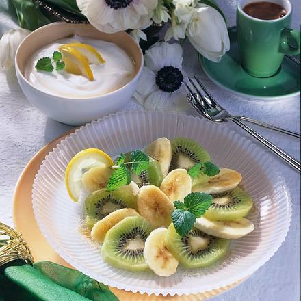 Obstsalat mit Zitronen-Joghurt Rezept