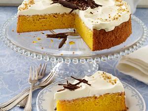 Österlicher Möhrenkuchen mit Quark-Mascarpone-Haube Rezept