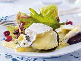 Ofen-Camembert auf Pumpernickel Rezept