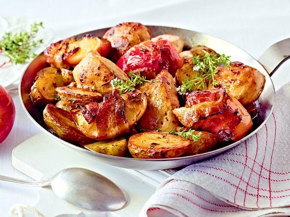 Ofen-Hähnchenfilets mit Speckäpfeln Rezept