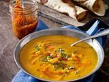 Ofen-Kürbissuppe mit Harissa Rezept