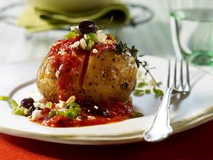 Ofenkartoffeln mit Tomatensoße und Feta Rezept