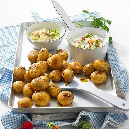 Ofenkartoffeln mit zwei Soßen Rezept