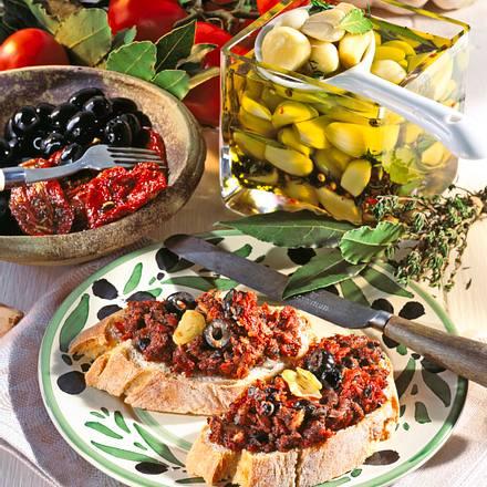 Oliven-Knoblauch-Aufstrich Rezept
