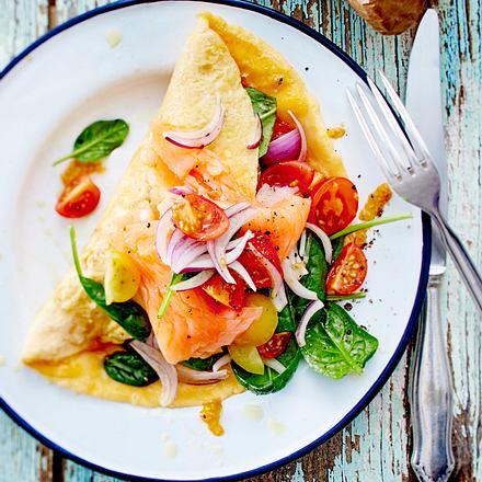Omelett mit Gemüse-Lachs-Füllung Rezept